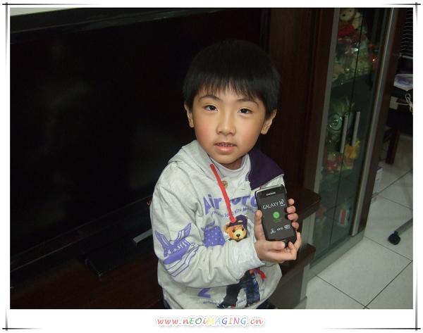 Samsung Galaxy W i8150 智慧型手機4