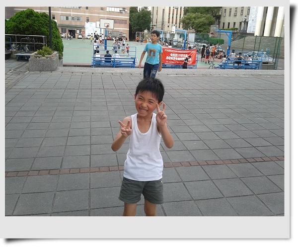 騎腳踏車&玩球[華夏技術學院]1