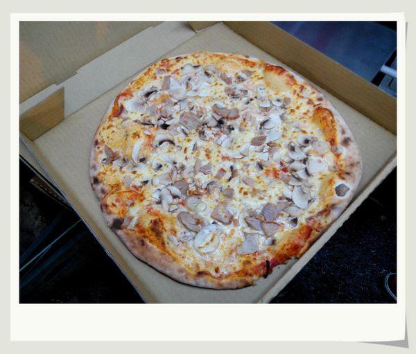KK手工窯烤Pizza 披薩[中和南勢角捷運站]6