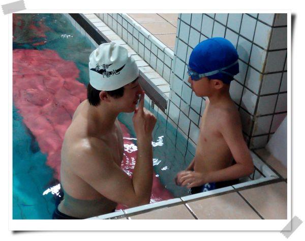 恆宇學游泳1[秀山國小室內溫水游泳池]4