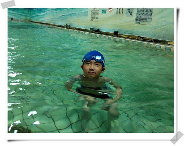 恆宇學游泳1[秀山國小室內溫水游泳池]11