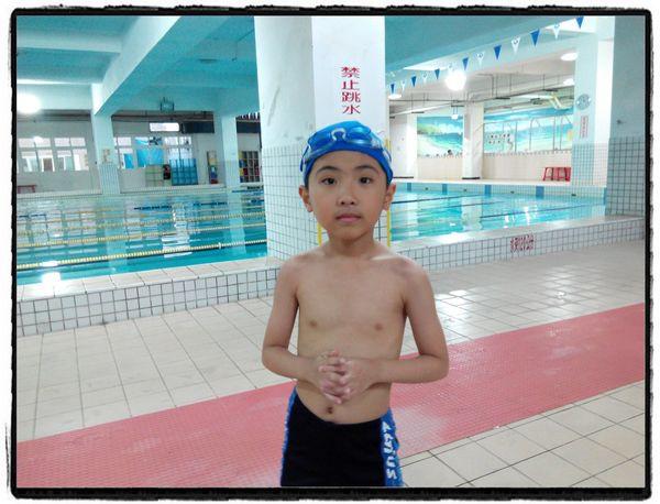 恆宇學游泳3[秀山國小室內溫水游泳池]