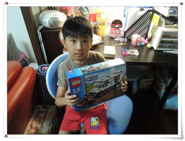LEGO樂高CITY城市系列60043囚犯運輸車[恆宇八歲生日禮物]1