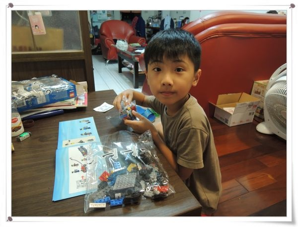 LEGO樂高CITY城市系列60043囚犯運輸車[恆宇八歲生日禮物]5
