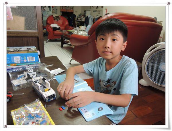 LEGO樂高CITY城市系列60043囚犯運輸車[恆宇八歲生日禮物]11