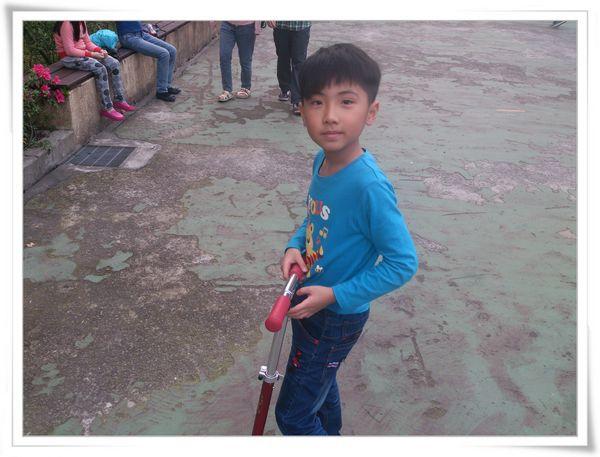 玩滑板車和打羽毛球@華夏科技大學7