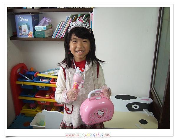 HELLO KITTY 公主系列裝扮組[妤蓁八歲生日禮物]3.jpg