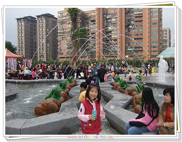 2010新北市卡通燈會12.jpg