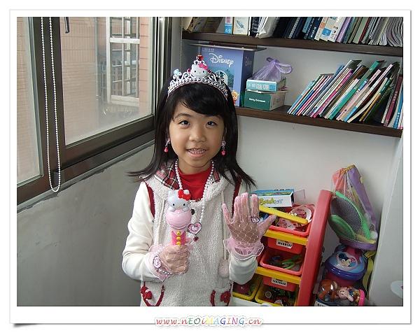 HELLO KITTY 公主系列裝扮組[妤蓁八歲生日禮物]2.jpg