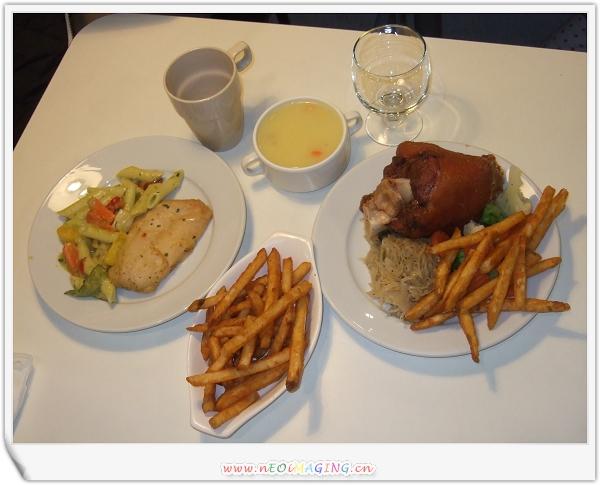 IKEA午餐1.jpg