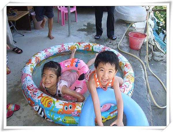 INTEX熱帶魚充氣游泳池1.jpg