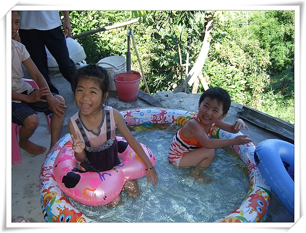INTEX熱帶魚充氣游泳池.jpg