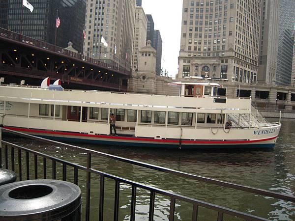 Boat Tour是一定要的!