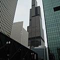 附近的Willis Tower