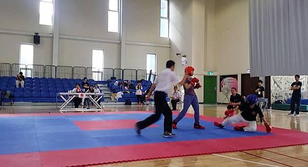 60kg級女子選手(本館為紅方)賽事截圖