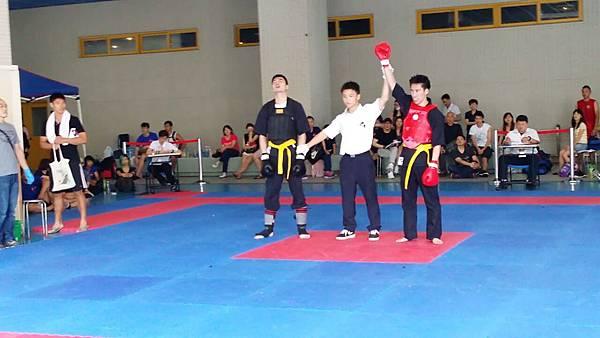 70公斤級男子選手獲勝照