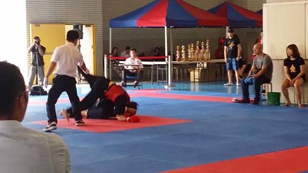 70公斤級男子選手準決賽發生意外截圖