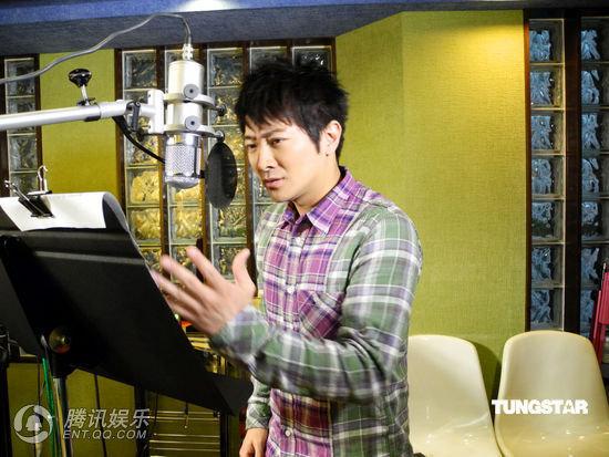 環球眾歌手慶香港回歸15周年 譚詠麟獻唱(組圖)-3