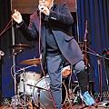 譚詠麟力捧的香港樂團「Mr.」20日在西門河岸留言開唱。( 攝影╱羅永銘).jpg