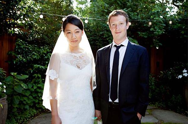 the-day-after-the-ipo-zuckerberg-somehow-found-the-time-to-marry-his-long-time-girlfriend-priscilla-chan-whom-he-met-while-still-a-harvard-student.jpg