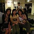 由左至右:Jessica,Silvia跟Stella,都是老婆在公司的好姊妹