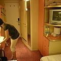 房間就這麼小喔!