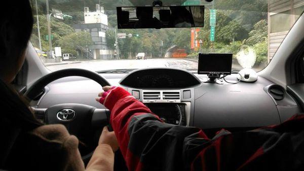 南港內湖學開車汽車駕照駕訓班推薦 教練教學