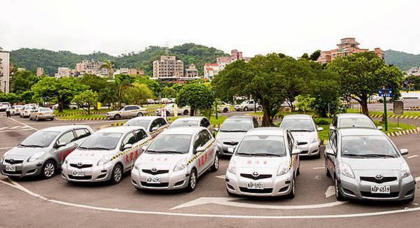 南港內湖學開車汽車駕照駕訓班