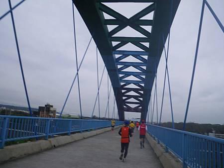 17公里自行車道彩虹橋.jpg