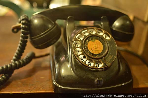 轉盤式電話.jpg
