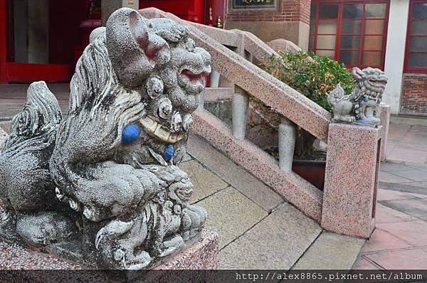 石獅子-母.jpg