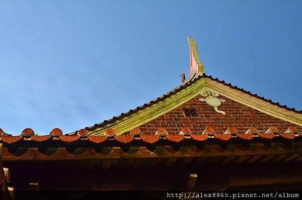 屋頂.jpg