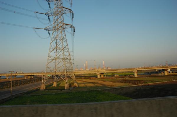 0101 014-橋上的火力發電廠.jpg