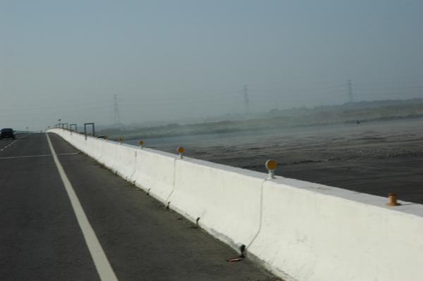 0101 034-好大的風沙.jpg