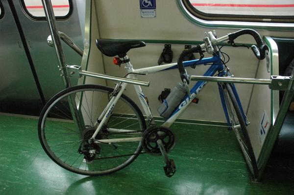 0227 819-上火車.jpg
