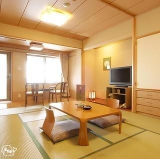 渚亭海側露天風呂付客室2.jpg
