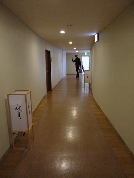 三愛高原ホテル的內部裝潢很具現代感