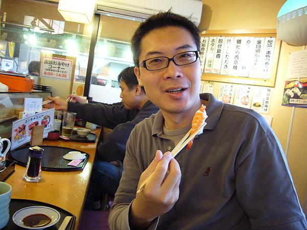 海老握壽司也是新鮮彈牙,吃的很滿足