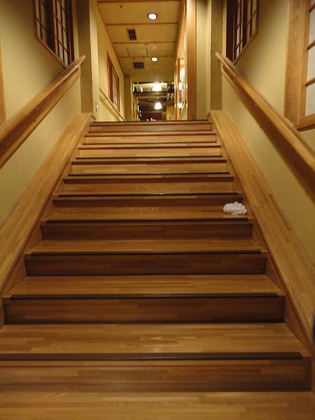 風呂前長階梯