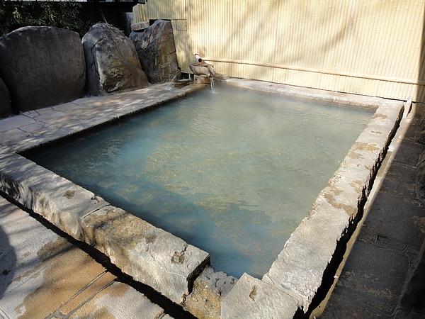 切り石露天風呂