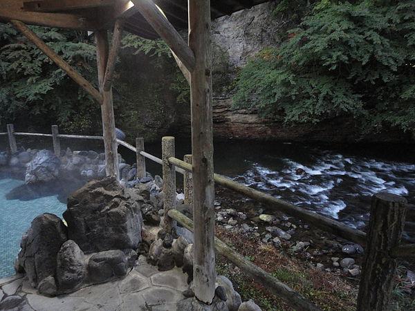 一邊入浴一邊聽著豊沢川的潺潺流水聲讓我忍不住低喊一聲「シアワセ」