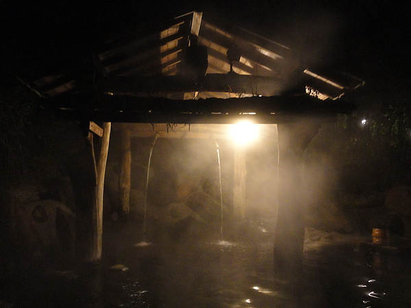 這是幽谷の湯的沖打浴,熱熱的水柱打在身上真的好舒服