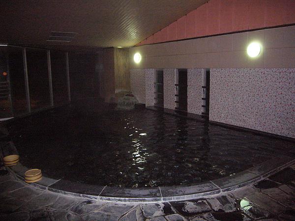 室內大浴場溫泉,我習慣在室內把身體泡熱後,才去泡露天溫泉
