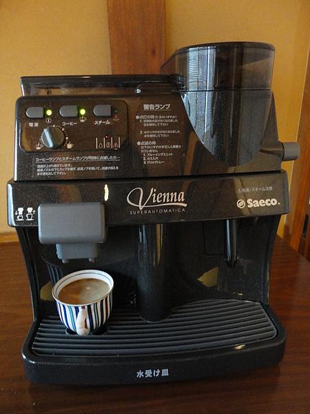 房間的咖啡機,歷史悠久的黑川溫泉鄉和新穎的咖啡機雖然不搭,不過泡出來的咖啡還真是無可挑剔