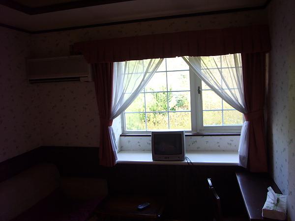我們住宿的「森のうた」小さなホテル房間屬於小而美房型