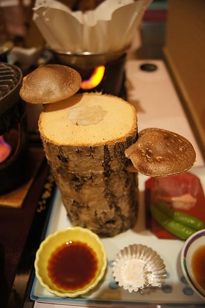 這道則是很有特色的安比高原產原木椎茸
