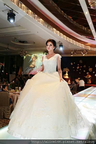 西式婚紗秀.jpg