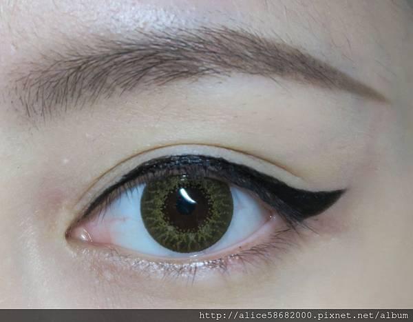 [ AD ] 浓黑眼线才是王道!用KATE进化版持久液体眼线笔EX享受线条乐趣