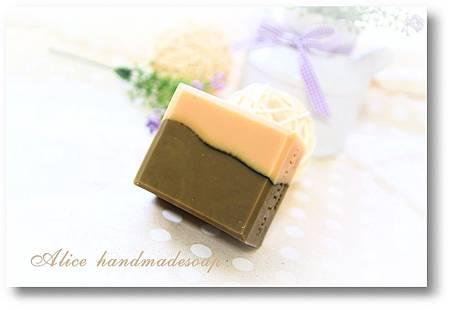 蕁麻葉母乳皂1.JPG