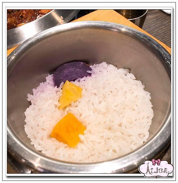 水刺床韓式烤肉餐廳 (1).jpg